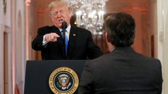 Usa, scontro Trump-Cnn, il network accusa:  dalla Casa Bianca fake news, manipolato il video del nostro reporter