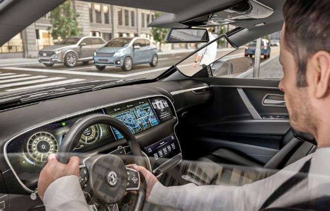 """Continental, più sicurezza con il """"Virtual A-Pillar"""""""