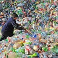 Plastica, così cambiano le rotte del riciclo. E l'Occidente è con le spalle al muro