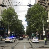 Australia, attacco col coltello a Melbourne: due morti e due feriti. Si indaga per terrorismo