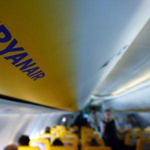Sovvenzioni da restituire, aereo Ryanair sequestrato a Bordeaux. Poi la compana paga il dovuto