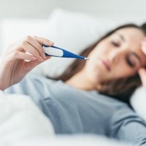 L'influenza accelera, già a letto 185mila italiani