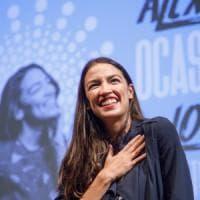 """La """"deputata Millennial"""" Alexandra Ocasio-Cortez: """"Non ho soldi per pagare l'affitto"""""""