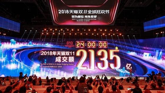 Alibaba: 'giorno single' record, le vendite online hanno raggiunto i 30,8 miliardi di dollari