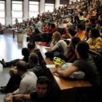 """Università, la rivolta dei professori: """"Eterna Cenerentola, troppi tagli dal governo"""""""