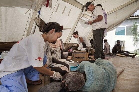"""""""Cure nel cuore dei conflitti"""": la campagna di Medici senza frontiere per soccorrere civili in zone di guerra"""