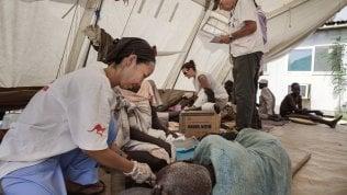 """""""Cure nel cuore dei conflitti"""": la campagna per soccorrere i civili in zone di guerra"""