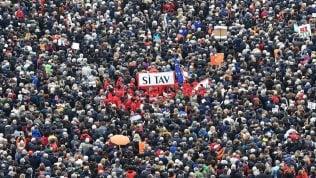 """Tav, la ministra francese a Toninelli: """"Analisi costi e benefici ma non perdiamo fondi Ue"""""""