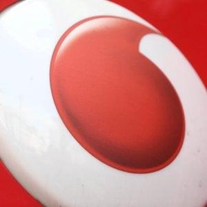 74aa32344c Vodafone in rosso per le svalutazioni, ma il mercato apprezza ...