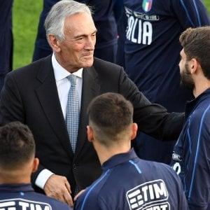 """Arbitro picchiato, Salvini: """"Emergenza"""". E se la prende con Higuain: """"Indegno"""""""