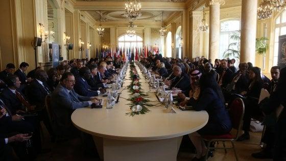 Libia, Haftar diserta il summit di Palermo e la Turchia va via