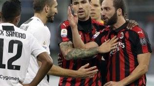 """Milan, 2 giornate a Higuain. """"Minaccioso con l'arbitro"""