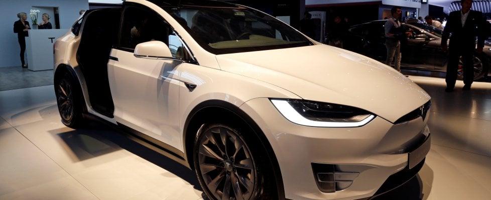 Tesla, ancora piani di espansione: in costruzione nuovo centro di smistamento