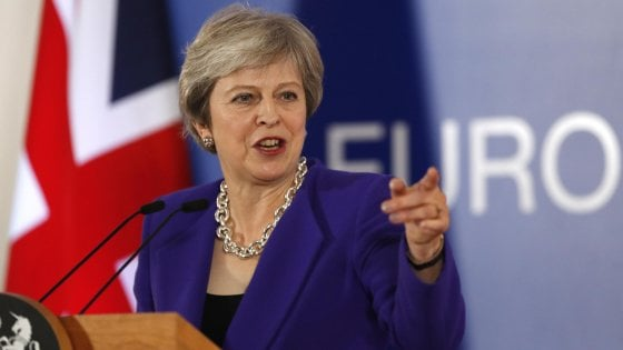 Brexit. May, voto di sfiducia? Andrò fino in fondo