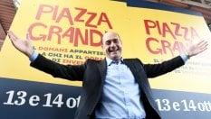 Le primarie slittano e nei sondaggi testa a testa Zingaretti-Minniti. Ma Martina è il più noto