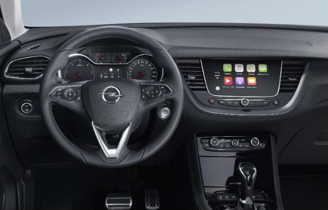 Waze e Google Maps salgono a bordo di Opel
