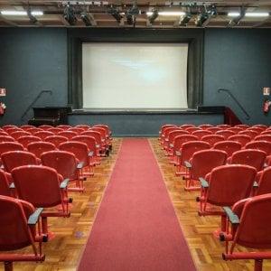 """No ai film italiani su Netflix e in sala in contemporanea, il ministro Bonisoli: """"Prima il cinema, poi lo streaming"""""""