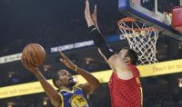 Golden State rinasce senza Green, Houston ok a Denver