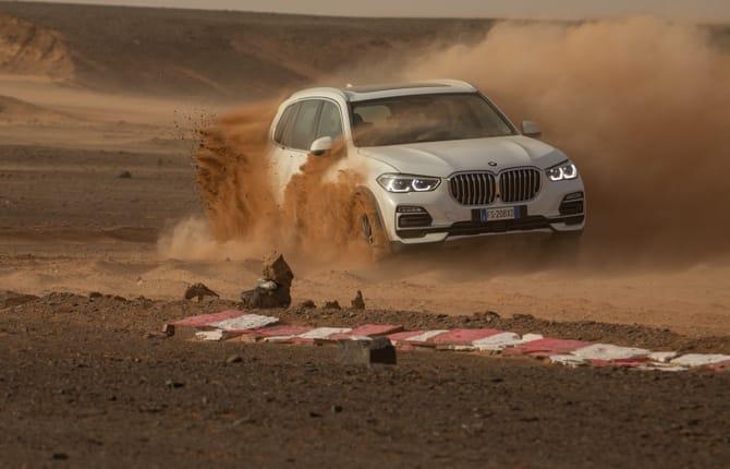Nuova Bmw X5, da Monza al Sahara