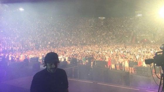 'Tutti in piedi' per Calcutta, il supershow all'Arena di Verona ora va al cinema