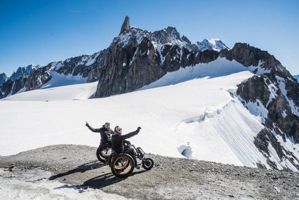 Oltre l'handicap: le immagini delle straordinarie sfide di Luca e Danilo