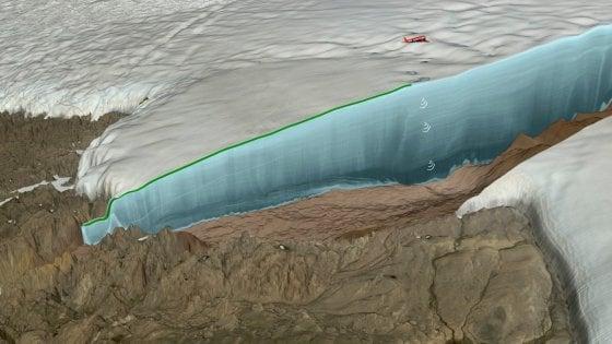 Trovato il cratere di un asteroide sotto i ghiacci della Groenlandia: l'impatto avrebbe modificato il clima terrestre
