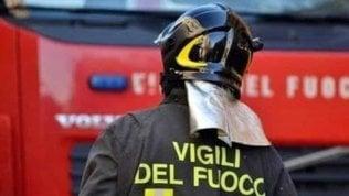 Rogo in galleria ferroviaria sulla Napoli-Salerno: 5 operai feriti. Sospesa la circolazione dei treni