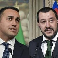 """Inceneritori, Di Maio: """"Non sono nel contratto"""". Salvini: """"La realtà cambia"""". Esercito in..."""