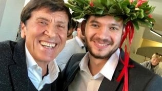 L'orgoglio di nonno Gianni Morandi su Instagram: suo nipote Paolo (Antonacci) si è laureato