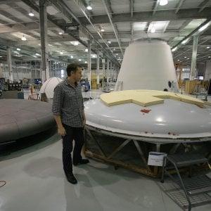 Elon Musk lancerà altri 7518 satelliti. Obiettivo: portare b