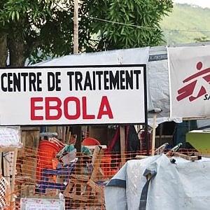 Ebola, un centro per casi sospetti in Congo: nuovi focolai al confine con l'Uganda