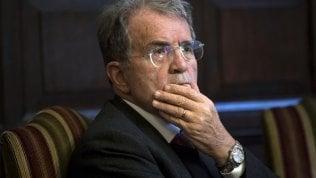 """Prodi: """"L'operaio guadagna 200 volte meno dei manager e nessuno si ribella"""""""