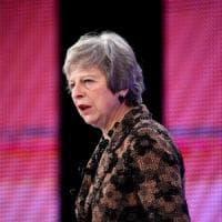 Brexit, Theresa May domani a Bruxelles per firmare il compromesso raggiunto per l'uscita...