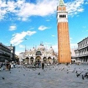 Venezia, in monopattino in piazza San Marco: multato bimbo di 4 anni