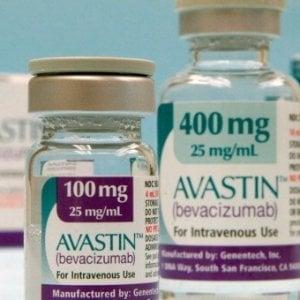 Caso Avastin-Lucentis, l'Europa: si può usare il farmaco meno caro contro la maculopatia