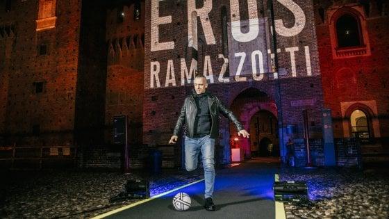 """""""Vita ce n'è"""": il ritorno di Eros Ramazzotti,  dalla ballata al pezzo dance"""