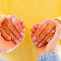 Parkinson, un'iniziativa per sostenere chi si prende cura dei pazienti