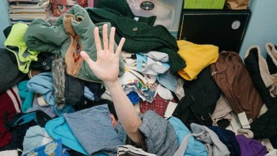 """""""Non comprare, ricicla"""": è #makesmthng, l'anti Black Friday di Greenpeace"""