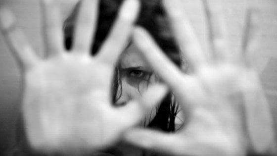 """Violenza sulle donne, i dati Istat: """"In 49mila si sono rivolte a Centri"""""""