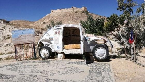 Edifici mignon, chalet e auto dismesse: micro hotel tra lusso e originalità