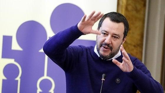 """Manovra, Salvini: """"Nessun maxi emendamento in arrivo"""". Di Maio: """"Reddito e quota 100 non si toccano"""""""