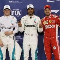 F1, Hamilton in pole ad Abu Dhabi: seconda fila per le Ferrari