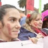 Giornata internazionale contro violenza sulle donne: l'Italia si mobilita per dire basta