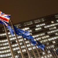 Brexit: i 27 danno il via libera all'accordo divorzio da Londra
