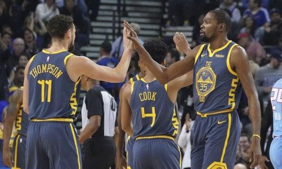 Basket, Nba: gli Spurs di Belinelli cadono a Milwaukee
