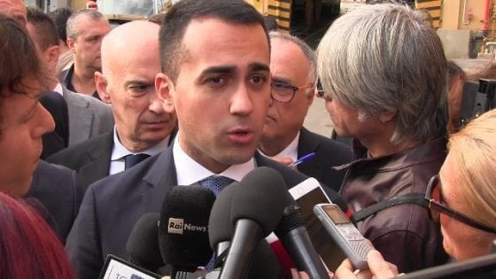 """Lavoro nero nella ditta del padre di Di Maio, la denuncia delle Iene. La replica: """"E' vero, consegnerò i documenti"""""""