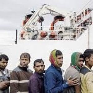 Migranti: arriva la tassa sul money transfer. I più colpiti sono i bangladesi