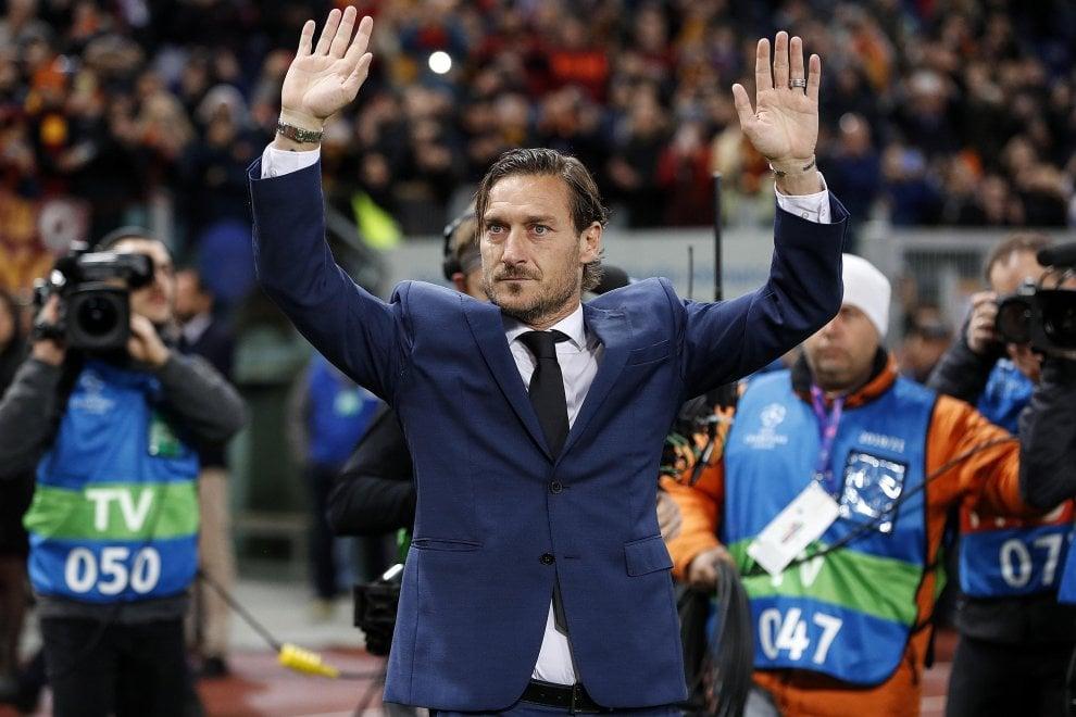 Francesco Totti nella 'Hall of Fame' della Roma, festa all'Olimpico