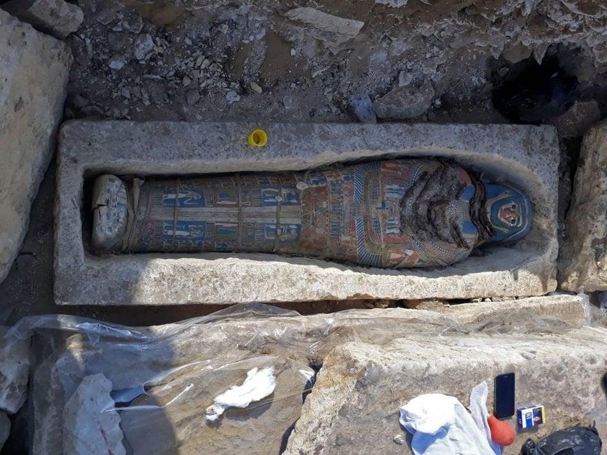 Egitto, otto mummie ritrovate a sud del Cairo