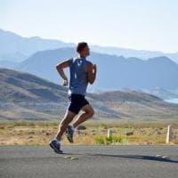 Corri ragazzo corri, per invecchiare in salute meglio il tapis roulant dei pesi